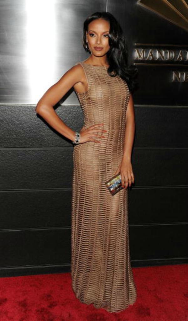 slika 228 10 haljina: Selita Ebanks