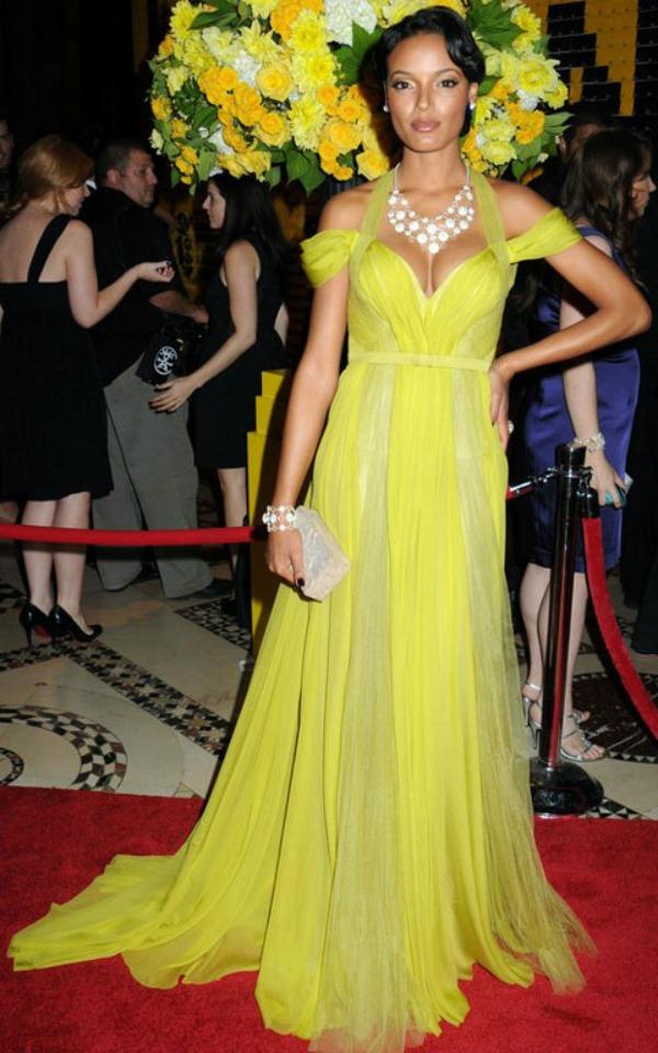 slika 816 10 haljina: Selita Ebanks