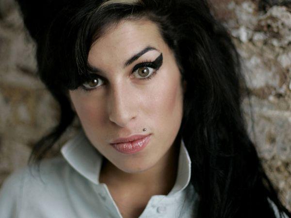 vajn BBC objavljuje posebno izdanje zbirke o Amy Winehouse