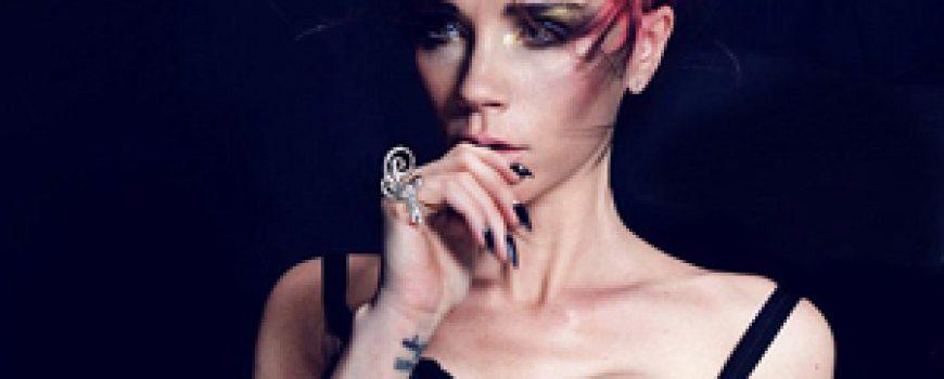 Prelistavamo stil: Victoria Beckham