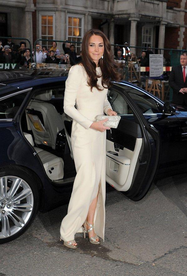 2.4 10 haljina: Kate Middleton