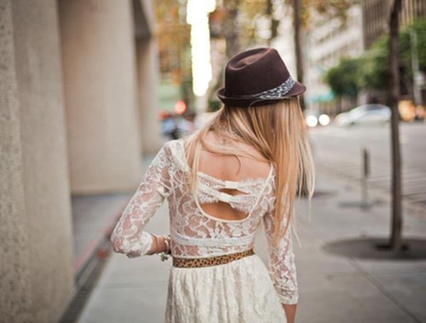 2 Čeprkanje po ormaru: Bela čipkasta haljina