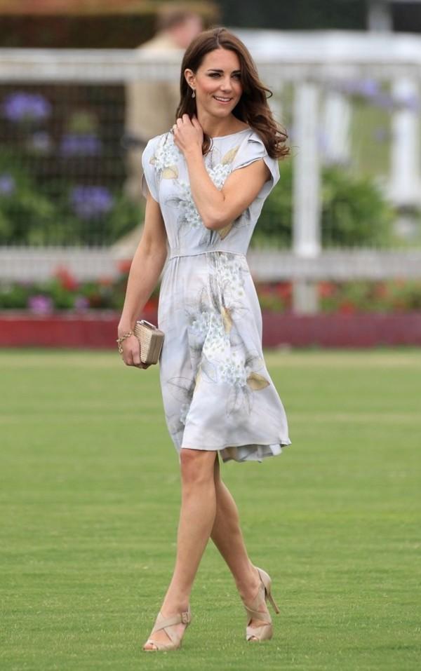 8.3 10 haljina: Kate Middleton