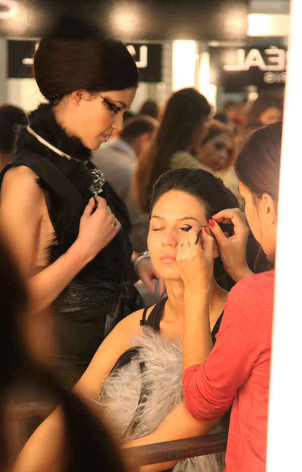 IMG 5209 32. Belgrade Fashion Week: Backstage (3. deo)