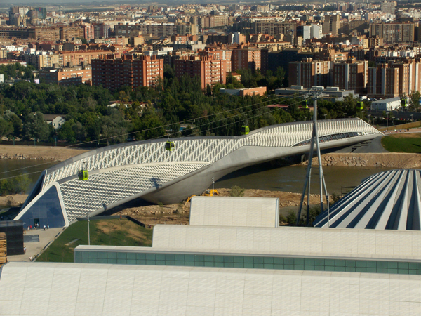 Pabellón Puente Zaragoza Zaha Hadid: Žena sa čarobnim štapićem