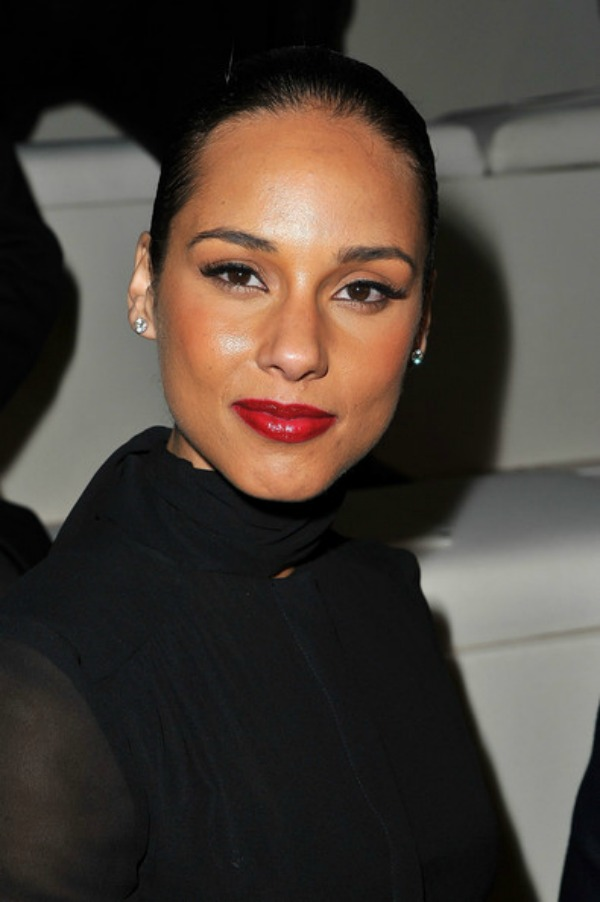 SLIKA 1110 Stil šminkanja: Alicia Keys