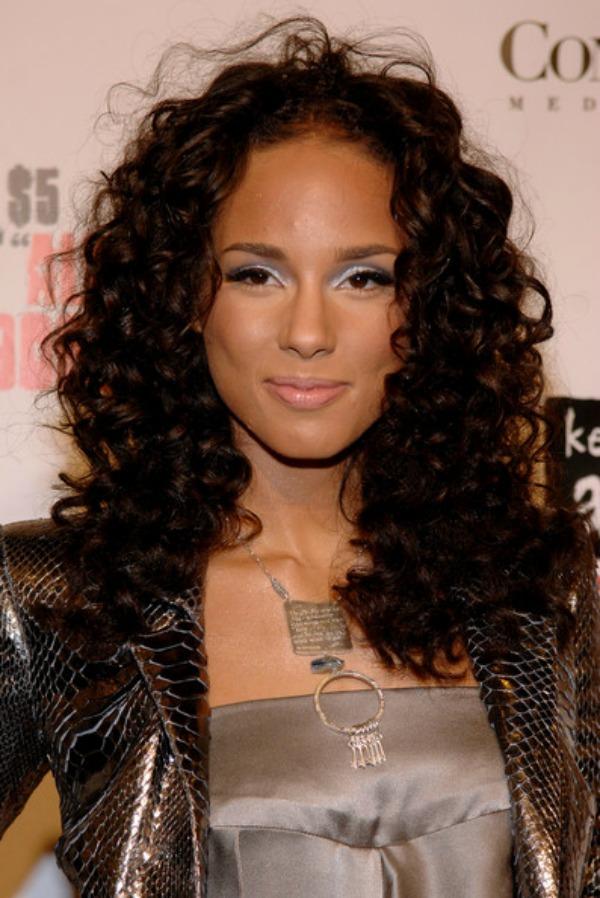 SLIKA 311 Stil šminkanja: Alicia Keys