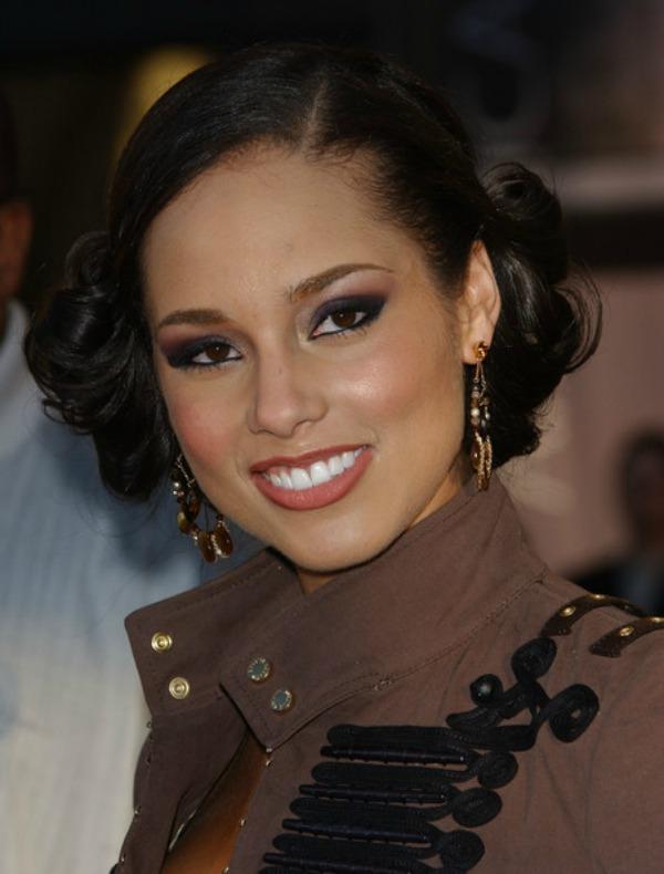 SLIKA 49 Stil šminkanja: Alicia Keys
