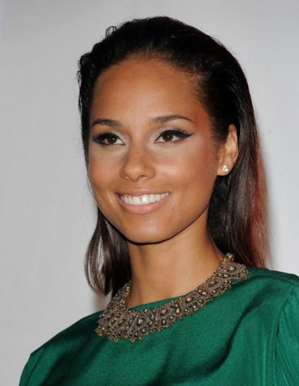 SLIKA 59 Stil šminkanja: Alicia Keys