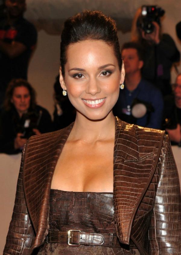 SLIKA 87 Stil šminkanja: Alicia Keys