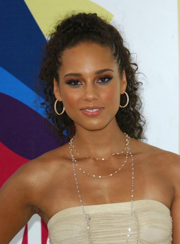 SLIKA 97 Stil šminkanja: Alicia Keys