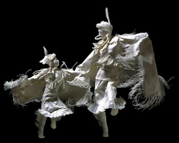 Slika 1011 Skulpture od papira