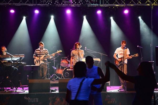 Slika 2.1 Wannabe Talenti: Tropik Skupina