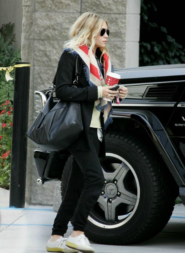 Slika 263 Street Style: Ashley Olsen