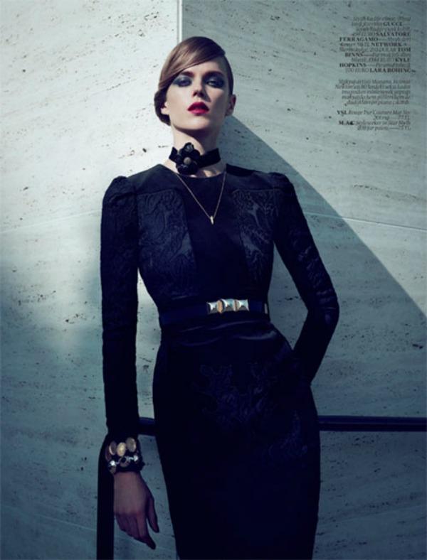 """Slika 639 """"Vogue Turkey: Snaga je u stavu"""