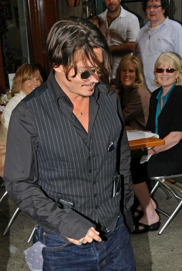 Slika 643 Street Style: Johnny Depp
