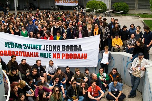 blokada Group photo students Noćni razgovori novi izraz Slobodne zone!