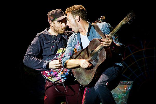 f Novi spot grupe Coldplay
