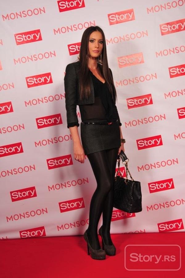 mirka Fashion Police: Story Party