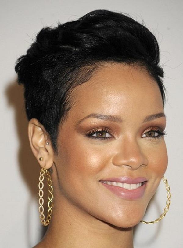 slika 112 Stil šminkanja: Rihanna