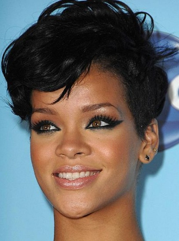 slika 39 Stil šminkanja: Rihanna
