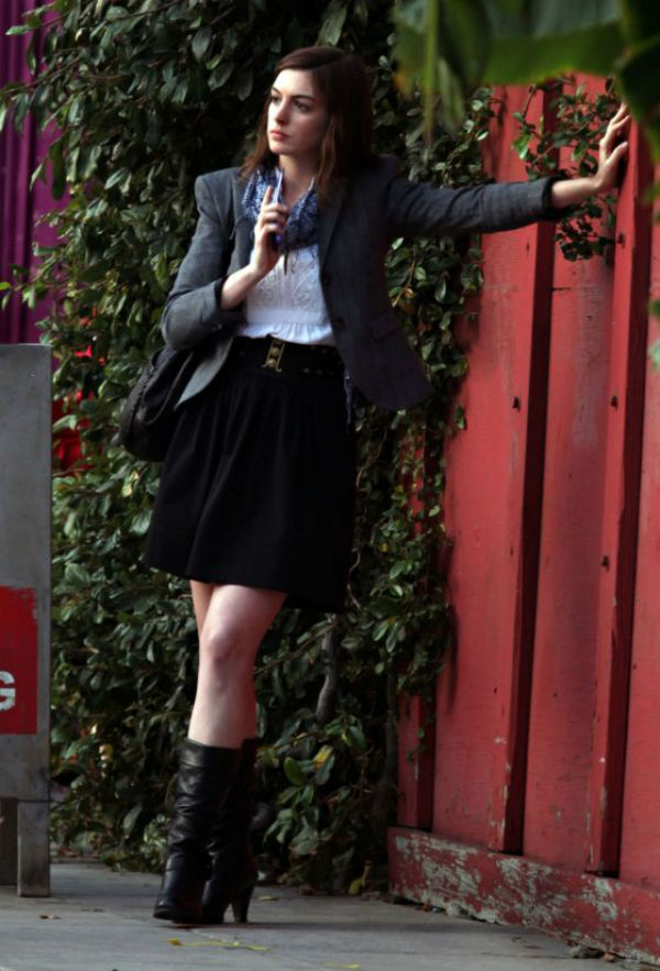 slika23 Street Style: Anne Hathaway