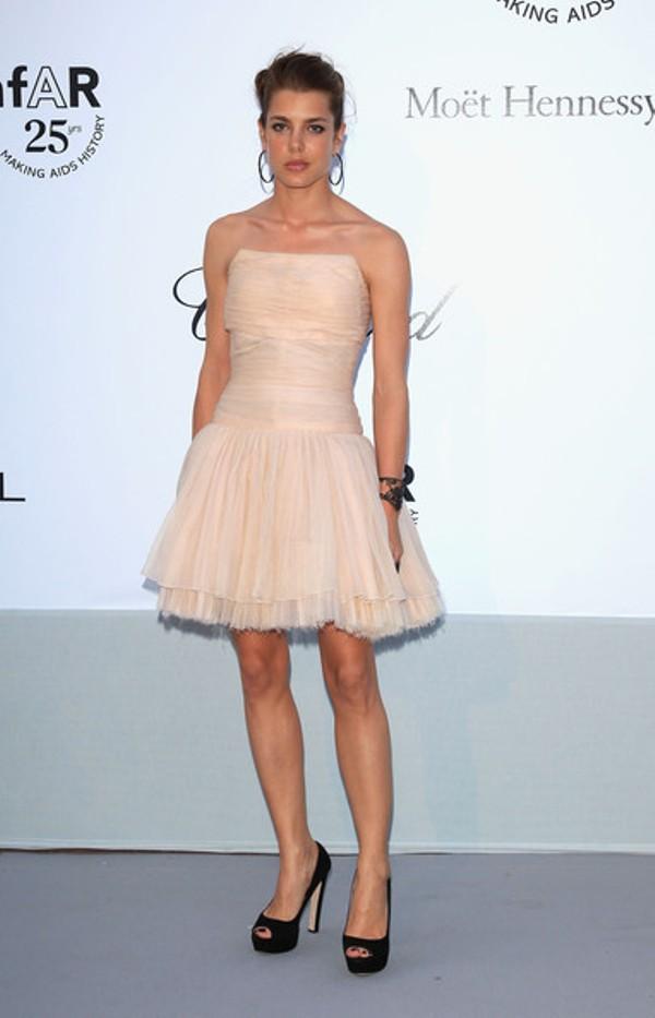 2.5 10 haljina: Charlotte Casiraghi