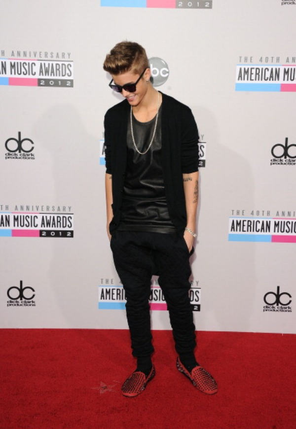 3.10 Fashion Police: American Music Awards 2012