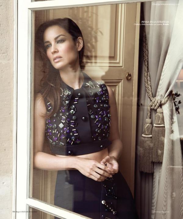 319 Harper's Bazaar Spain: Bondova devojka