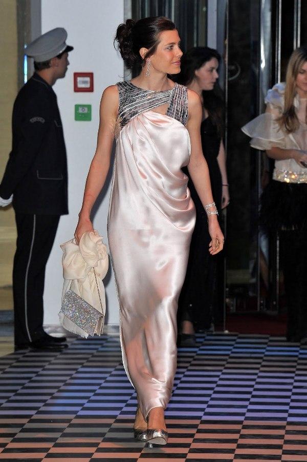6.3 10 haljina: Charlotte Casiraghi