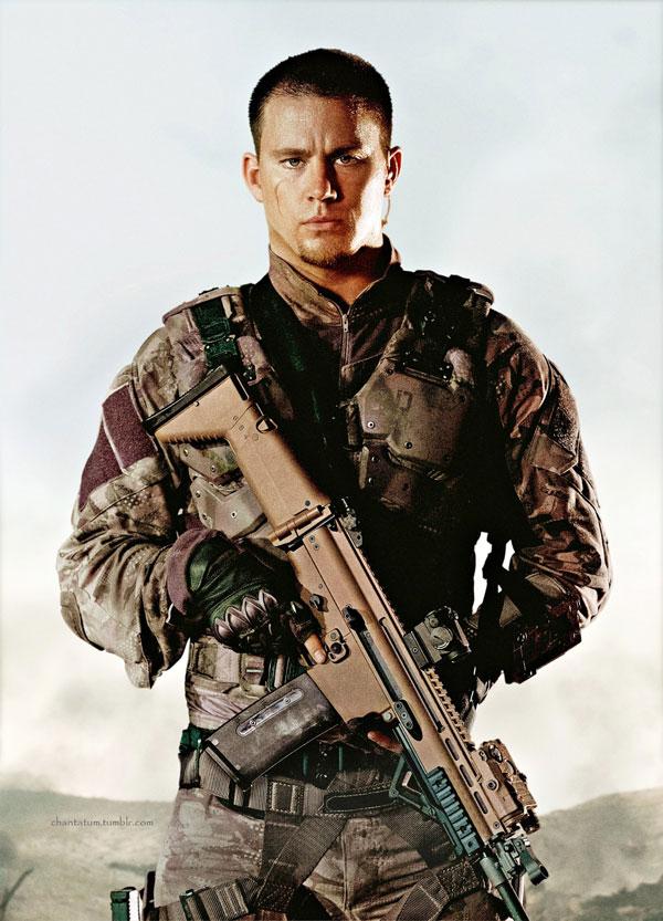 8131 Muškarce u uniformama volimo