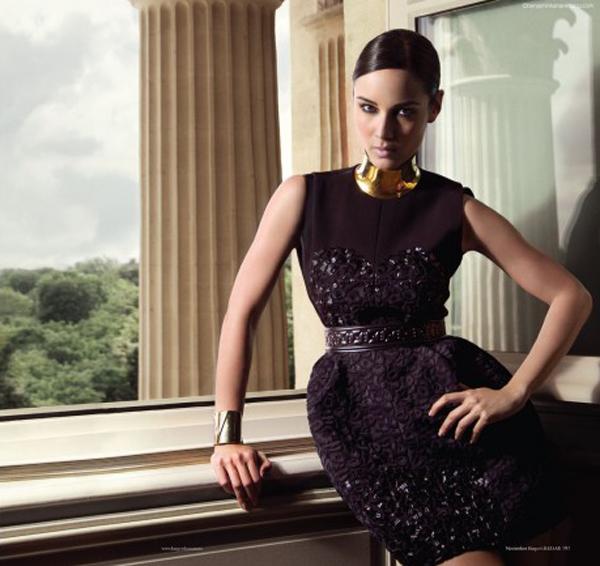 88 Harper's Bazaar Spain: Bondova devojka