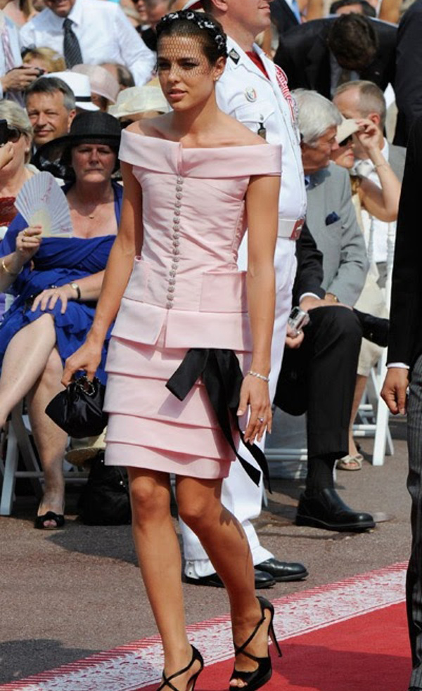 9.2 10 haljina: Charlotte Casiraghi