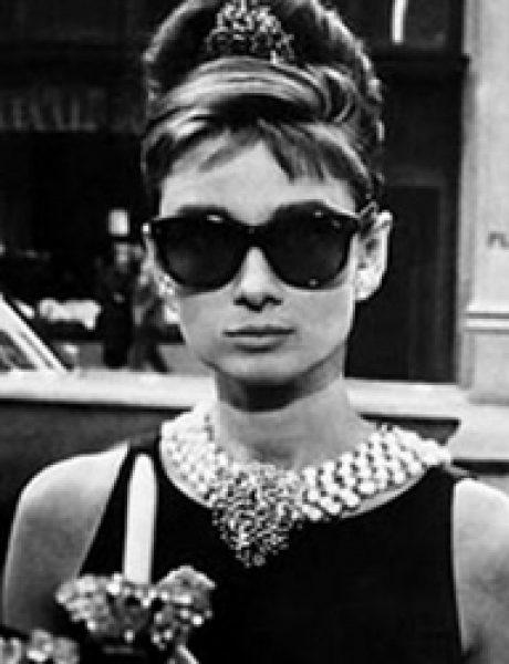 """The Best Fashion Moments: Magija male crne haljine u filmu """"Doručak kod Tifanija"""""""