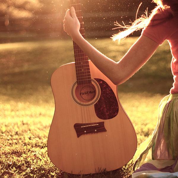 Odnela je sve melodiju gitaru ali ne i ljubav... Al' svima nam dođe ta jedna