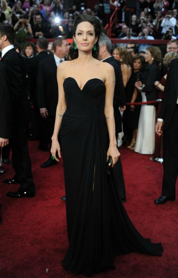 SLIKA 10 10 haljina: Angelina Jolie