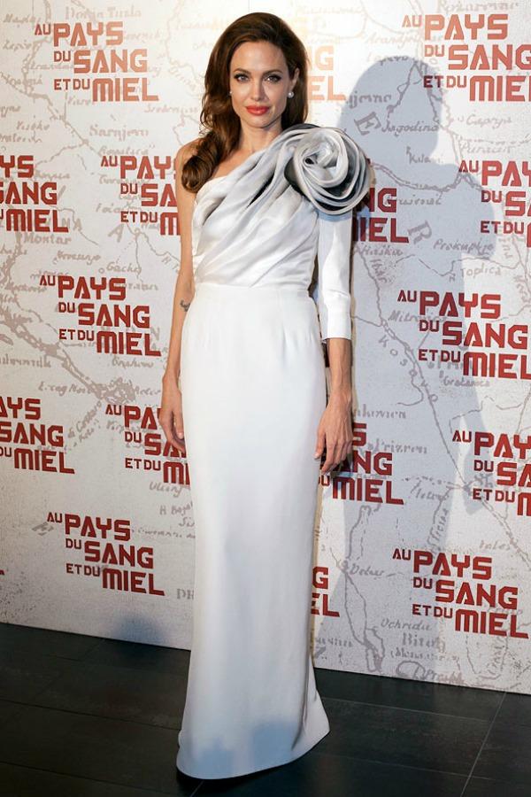 SLIKA 28 10 haljina: Angelina Jolie