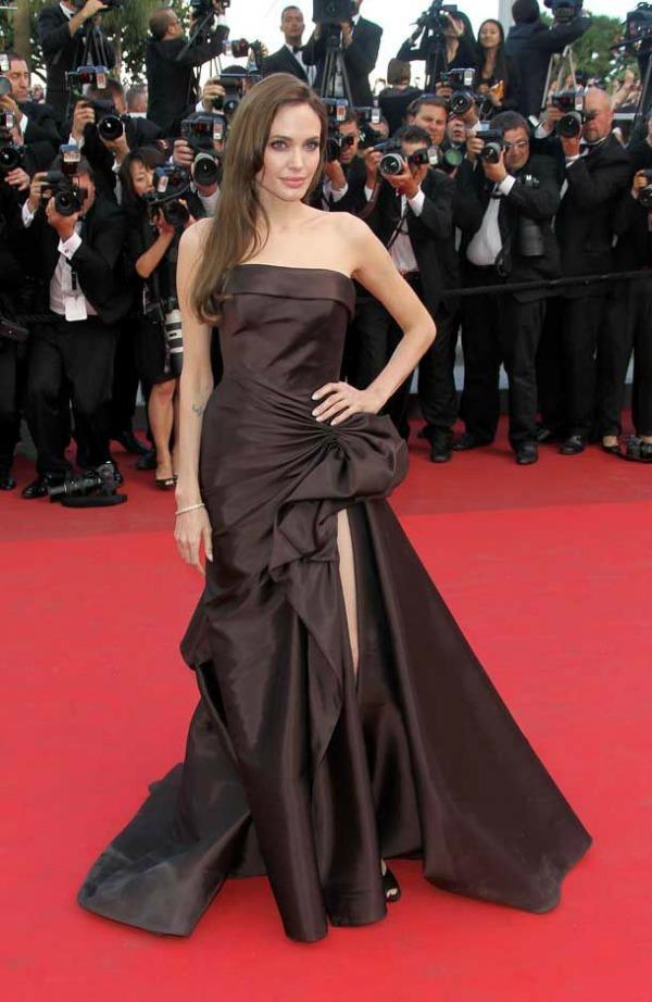 SLIKA 45 10 haljina: Angelina Jolie