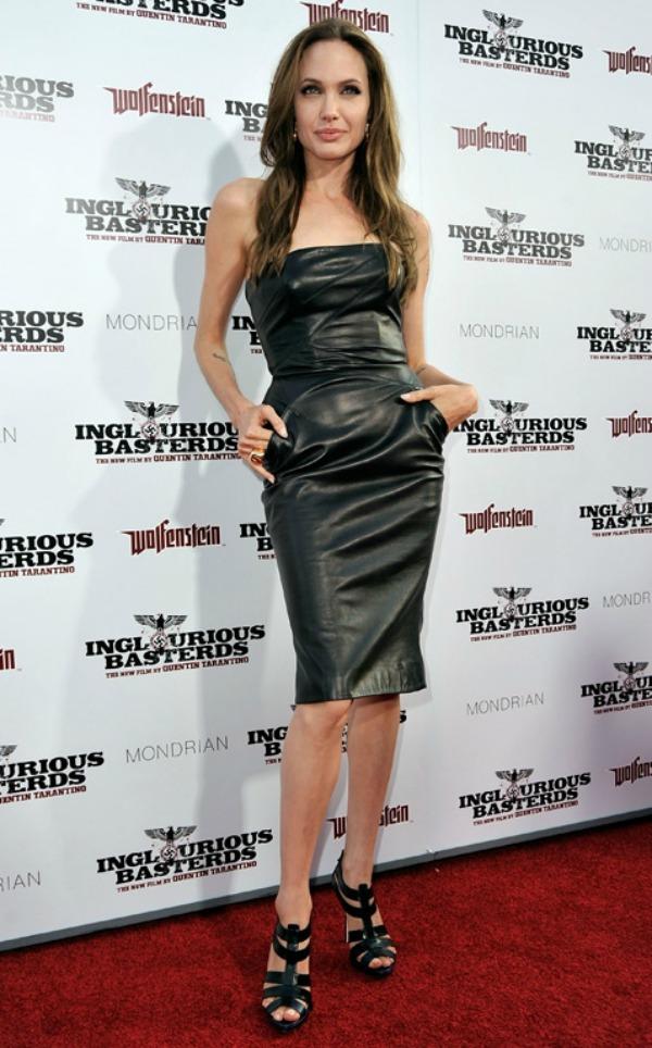 SLIKA 55 10 haljina: Angelina Jolie
