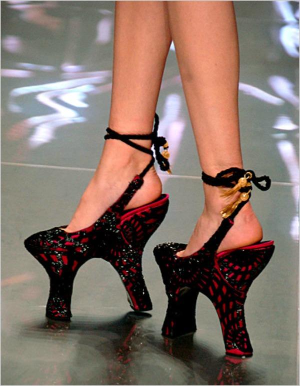 Slika 109 Lude... cipele?