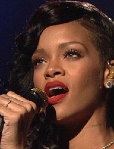"Rihanna iskreno moli uz novi singl ""Stay"""
