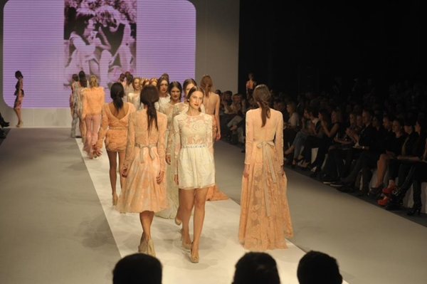 Slika 518 32. Belgrade Fashion Week: Mihano Momosa