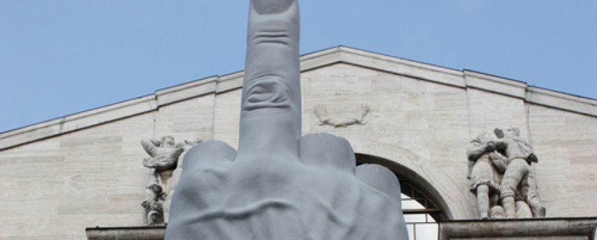Maurizio Cattelan: Umetnost i sarkazam