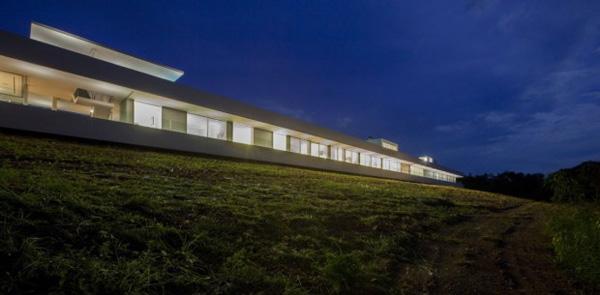 prostrani svetionik Putevima dizajna do najduže kuće na svetu