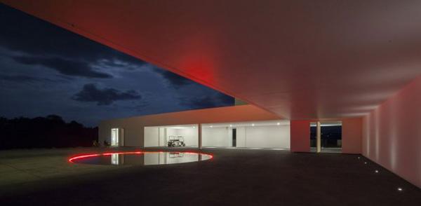 romanticna svetl akoja se pale nocu Putevima dizajna do najduže kuće na svetu