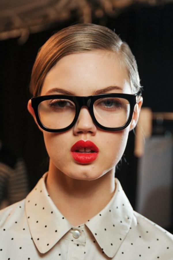 slika 210 Deset stilova šminkanja poznatih dizajnera