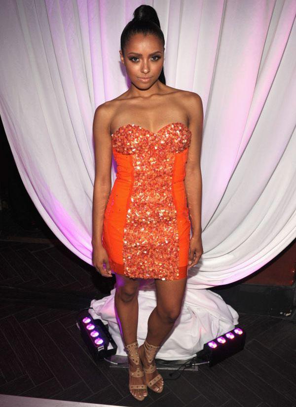 106 10 haljina: Kat Graham