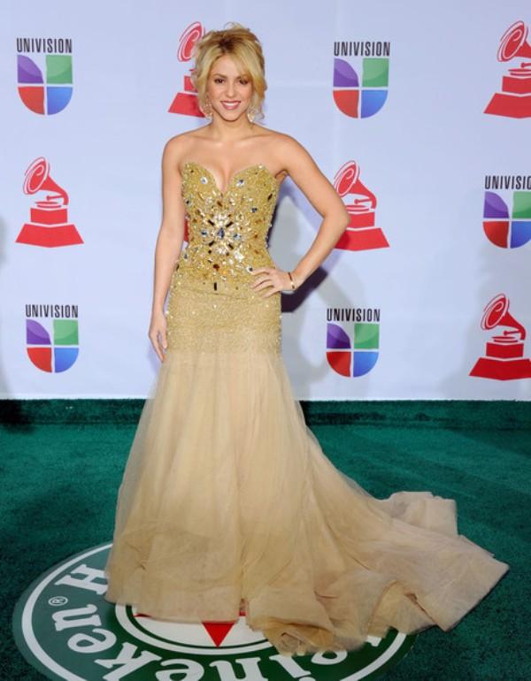 3.10 10 haljina: Shakira