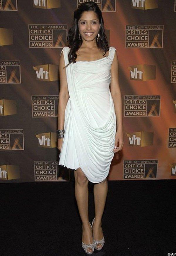 3.3 10 haljina: Freida Pinto
