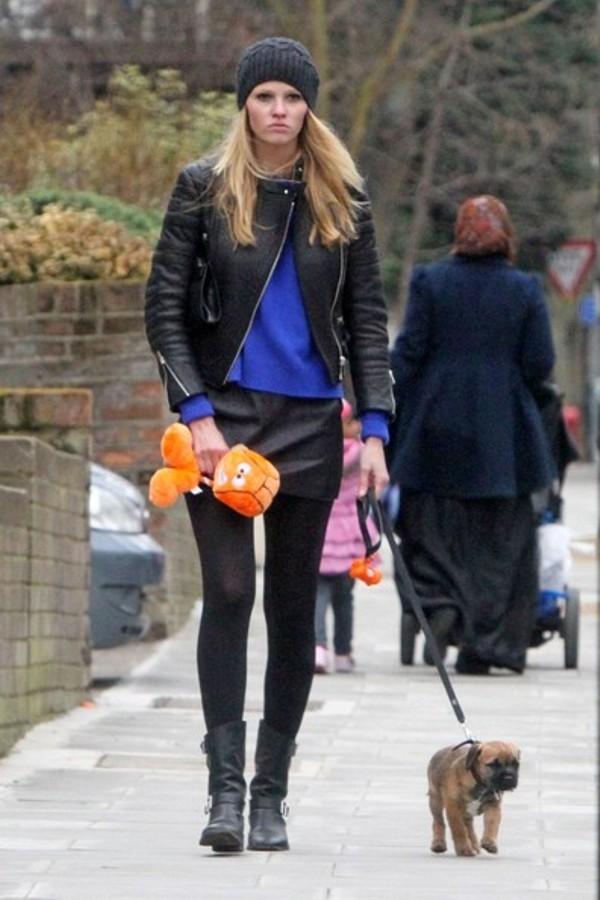 3.6 Street Style: Lara Stone